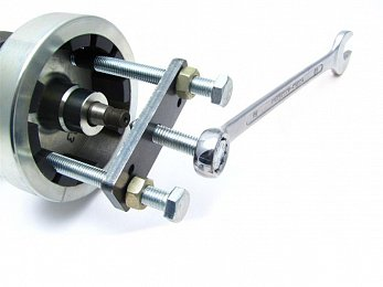 Rotor puller for inverted rotor with 2 threaded screw holes